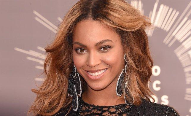 Beyoncé, Taylor Swift y P!nk, las cantantes que más han ganado este año