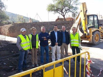 El PFEA invierte en Fondón y Fuente Victoria 80.000 euros y emplea a 40 peones y cuatro oficiales