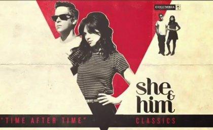 She & Him versionan a sus artistas favoritos en su nuevo álbum
