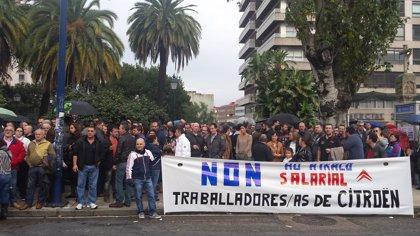 Más de 2.000 personas protestan contra los recortes en PSA