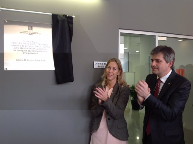 La consellera N.Munté inaugura un equipamiento cívico en Solsona