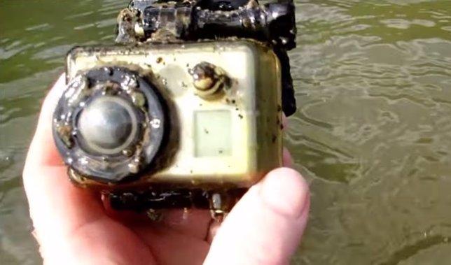 GoPro encontrada en un río