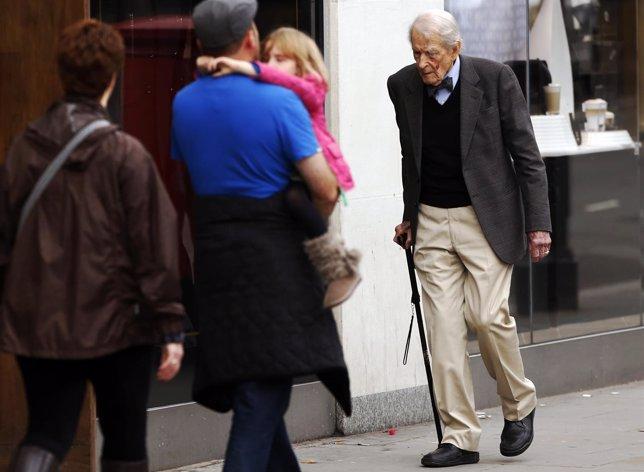 Hombre mayor. Anciano.