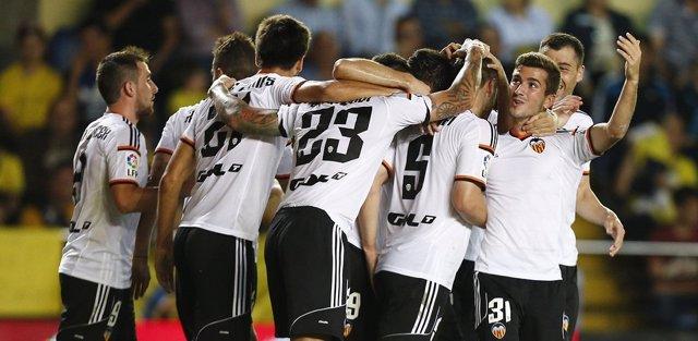 El Valencia gana en Villarreal