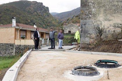 CANTABRIA.-Tudanca.- El consejero supervisa varias actuaciones de mejora del Plan de Obras en el municipio