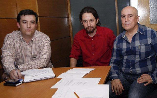 Pablo Iglesias se reúne con la AUME
