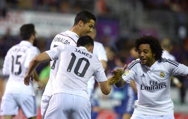 Marcelo y James celebran el 0-1 en Ipurua