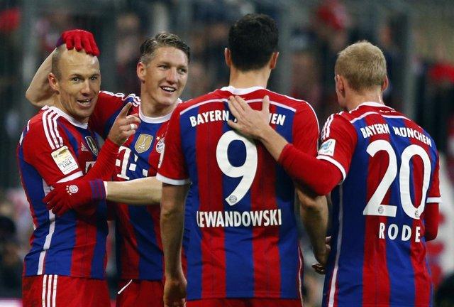 Robben, Schweinsteiger, Lewandowski y Rode con el Bayern