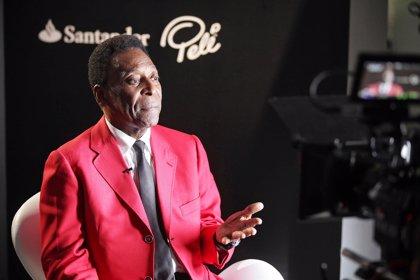 Pelé vuelve a ser ingresado en un hospital de Sao Paulo