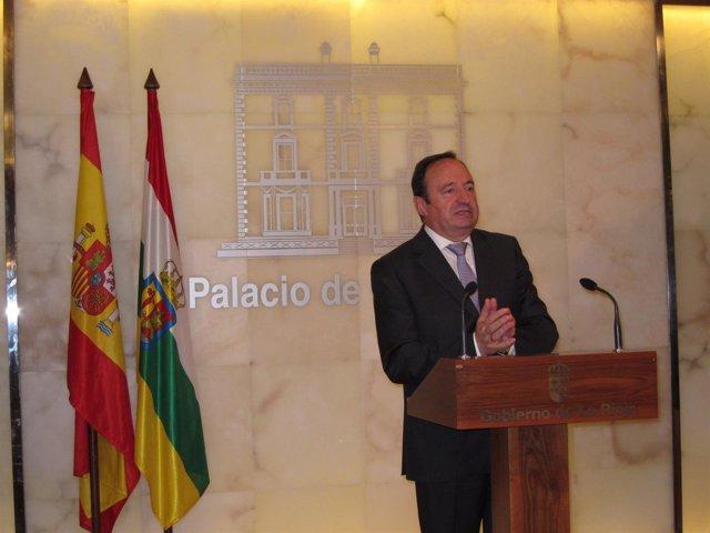 Pedro Sanz, presidente del Gobierno de La Rioja analiza inversiones Estado