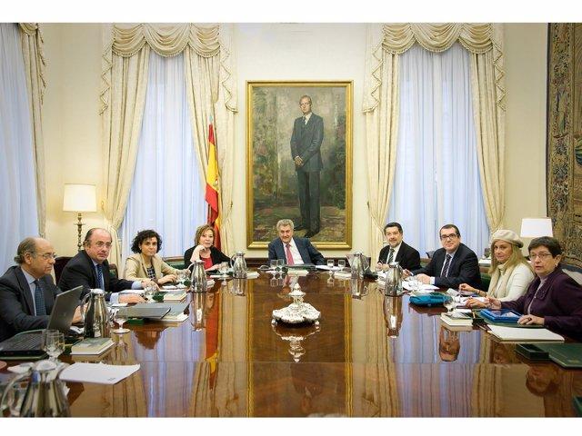 Reunión de la Mesa del Congreso, presidida por Jesús Posada