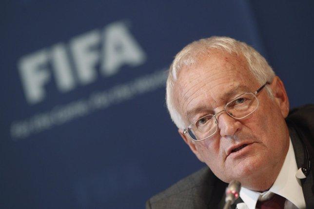 El Presidente Del Órgano De Decisión De La Comisión De Ética De La FIFA, Hans-J