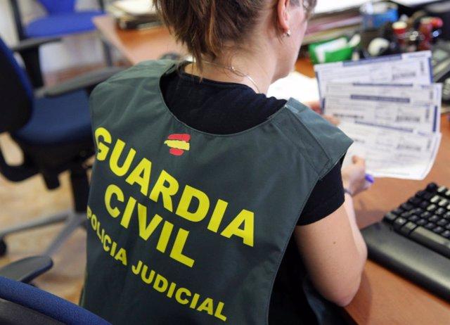 Guardia Civil desmantela una organización dedicada a la falsificación de recetas