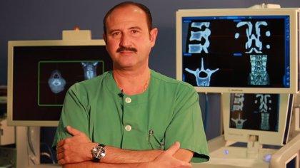 El doctor Manuel J. de la Torre protagoniza un video documental sobre su servicio de neurocirugía