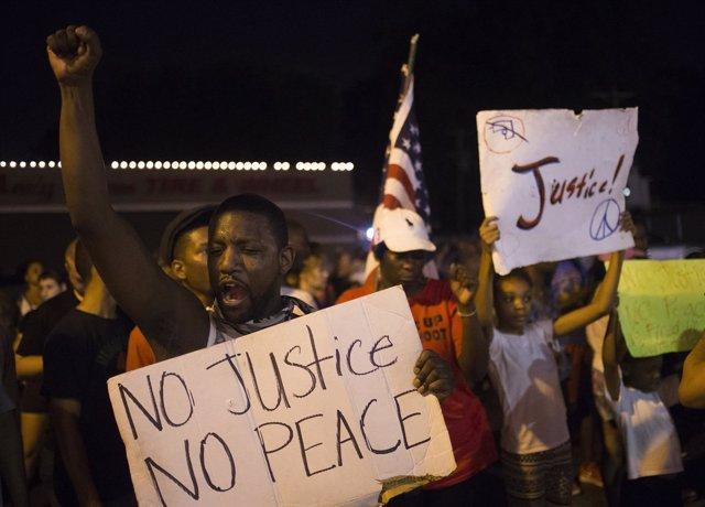Manifestación por la muerte de Michael Brown en Ferguson, Missouri
