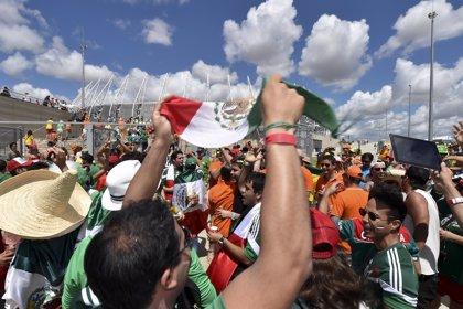 Los cuatro aficionados mexicanos detenidos en el Mundial de Brasil regresarán a México en los próximos días