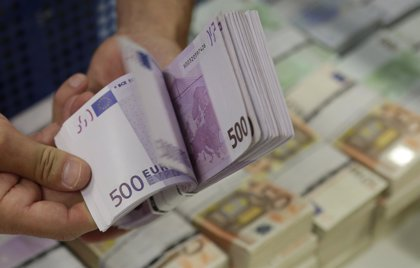 Los billetes de 500 euros se mantienen en 74 millones en octubre