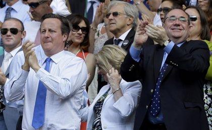 Escocia recibe la propuesta de mayores poderes en materia tributaria prometida por Cameron