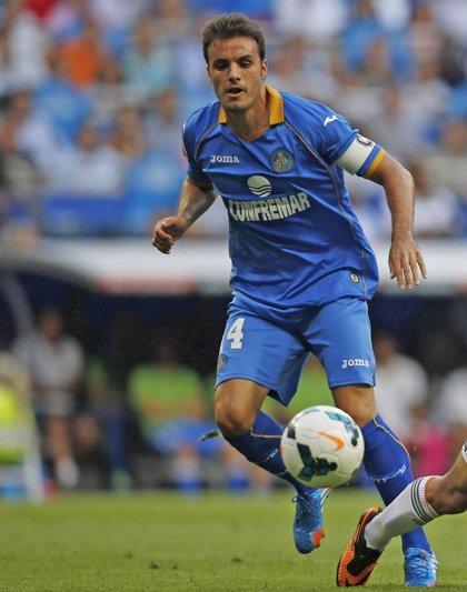 Pedro León entrará en su primera convocatoria para recibir al Athletic
