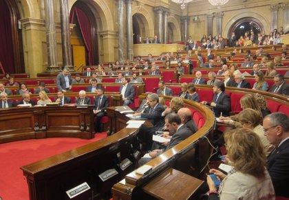 El Parlament rechaza convocar concursos para gestionar centros sanitarios de la red pública