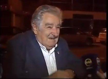 VÍDEO: La reacción de José Mujica cuando un hombre le pide dinero
