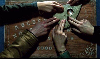 Clip de Ouija: ¿Cómo se cierra una puerta abierta al mundo de los muertos?