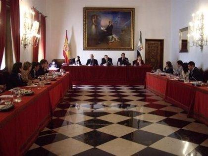 Diputación de Cáceres reprograma el Plan de Carreteras y adelanta a este año el acondicionamiento de nueve vías