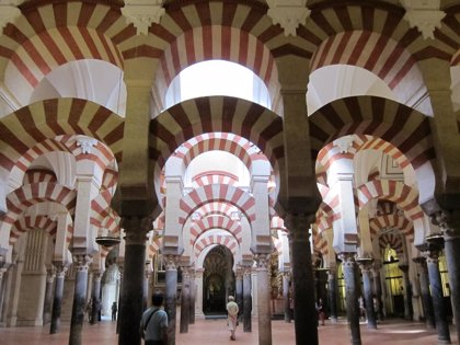 """El consejero de Turismo dice que nadie, aunque se arrogue """"ascendencia divina"""", podrá apropiarse de la Mezquita"""