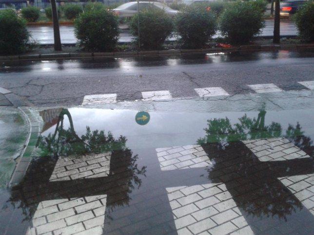 Lluvia caída en una calle de Sevilla