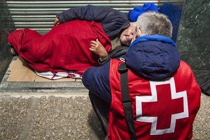 Cruz Roja localiza a 139 personas sin techo