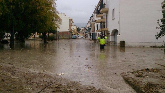 Inundaciones vélez 27 11 2014 agua riada barro limpieza viario