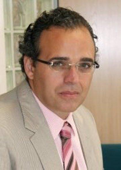 """Sergio Blasco se despide en un """"breve acto"""" agradeciendo el trabajo a los profesionales del Hospital General"""