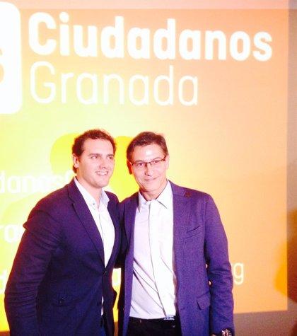 """Rivera presenta a Ciudadanos como """"alternativa"""" al """"bipartidismo decadente"""" de PP-PSOE y al """"populismo"""" de Podemos"""
