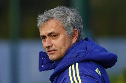 """Mourinho: """"Es evidente que lo de Messi no es cierto"""""""