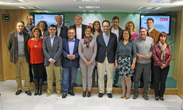 Heredia y Antonio Hernando con candidatos PSOE municipios más 20.000 habitantes