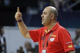 El seleccionador de baloncesto femenino, Lucas Mondelo