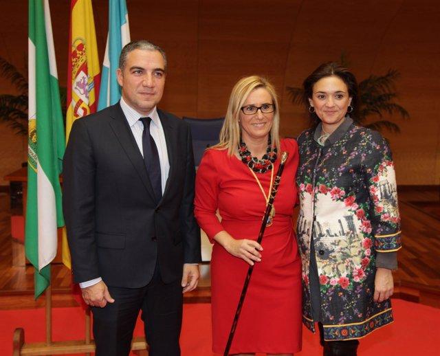Elías Bendodo, Ana Mula alcaldesa de Fuengirola, y Margarita del Cid
