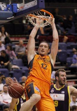 Serhiy Lishchuk en el Valladolid - Valencia