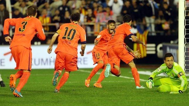 El Barça tira de épica en Mestalla