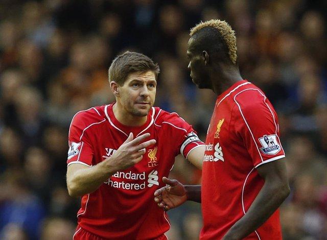 Gerrard y Balotelli