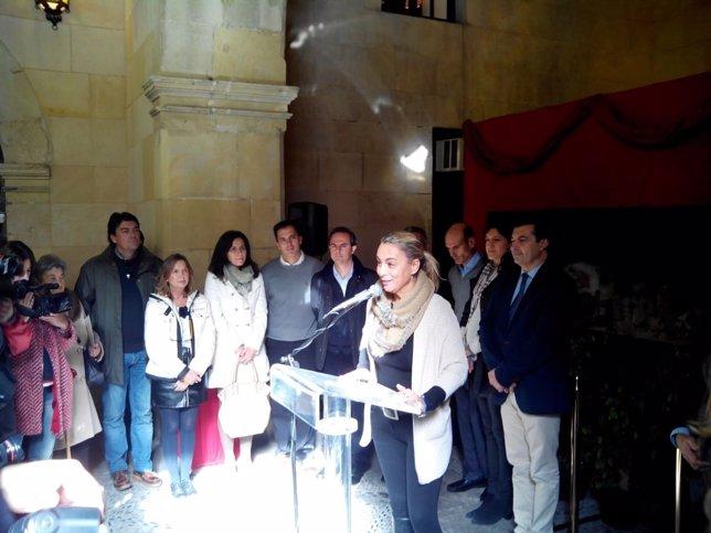 Castedo, este lunes, en la inauguración del belén del Ayuntamiento