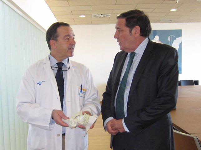 El doctor García Alonso (i) y Sáez Aguado (derecha)