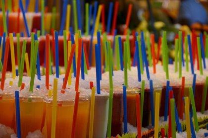 El consumo moderado de bebidas azucaradas con fructosa o glucosa no modifica sustancialmente la salud metabólica