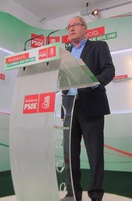 Juan Cornejo en la sede del PSOE-A