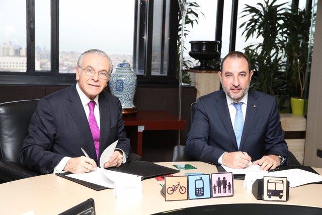 El presidente de la Fund.Bancaria La Caixa I.Fainé y el conseller R.Espadaler