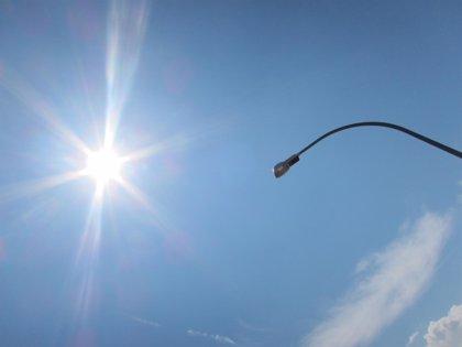Economía/Energía.- Industria congelará los peajes de luz en enero y se los rebajará a la industria vasca