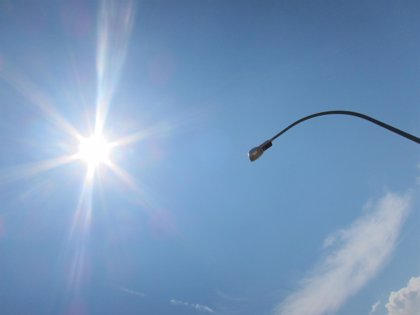 Industria congelará los peajes de luz en enero y se los rebajará a la industria vasca