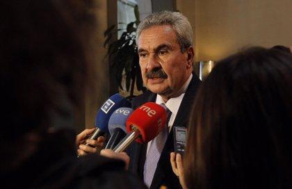 Torre exige una reunión urgente con Alberto Nadal para evitar el cierre de Alcoa