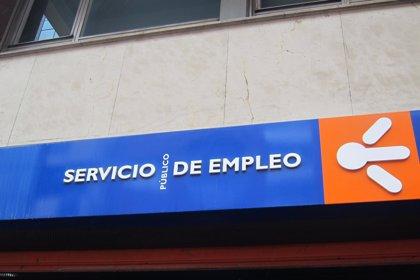 El número de desempleados baja en 281 personas en noviembre en Asturias