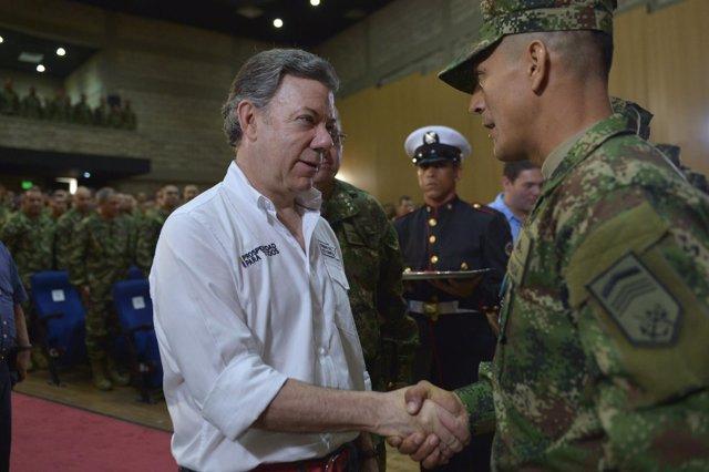 El presidente de Colmbia, Juan Manuel Santos, durante un acto con militares